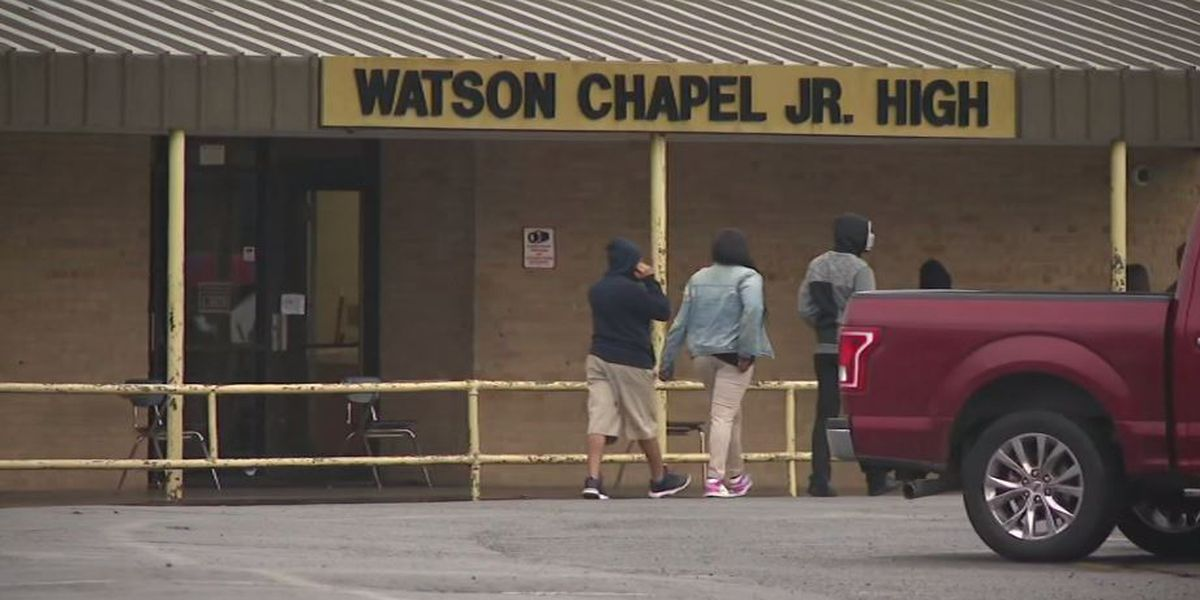 Boy dies days after shooting at Arkansas junior high