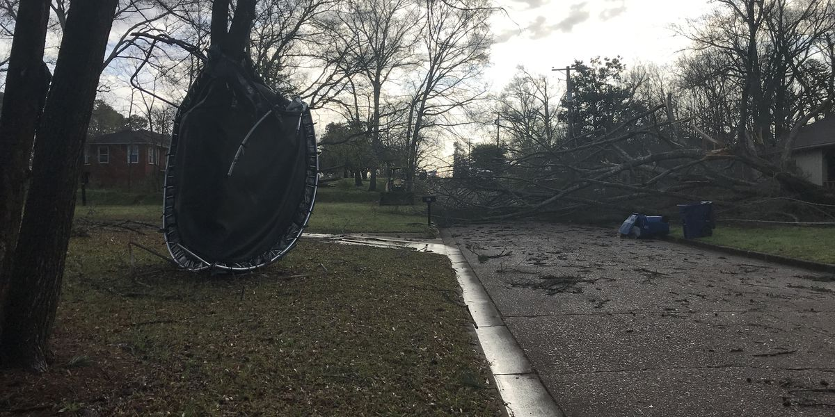 Extensive damage reported throughout East Texas following straight-line winds
