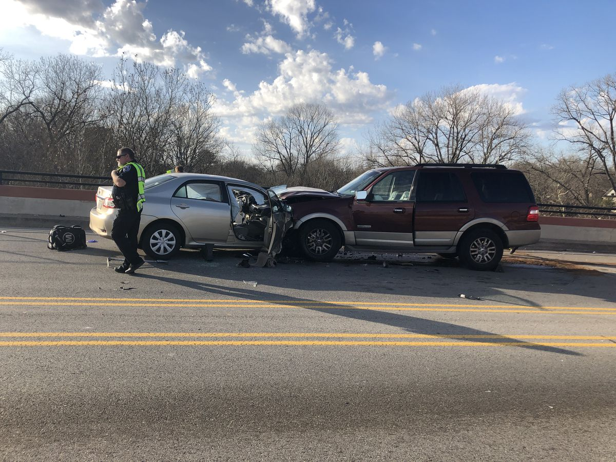 Wreck on Tyler's N. Beckham overpass cleared, traffic flow normal