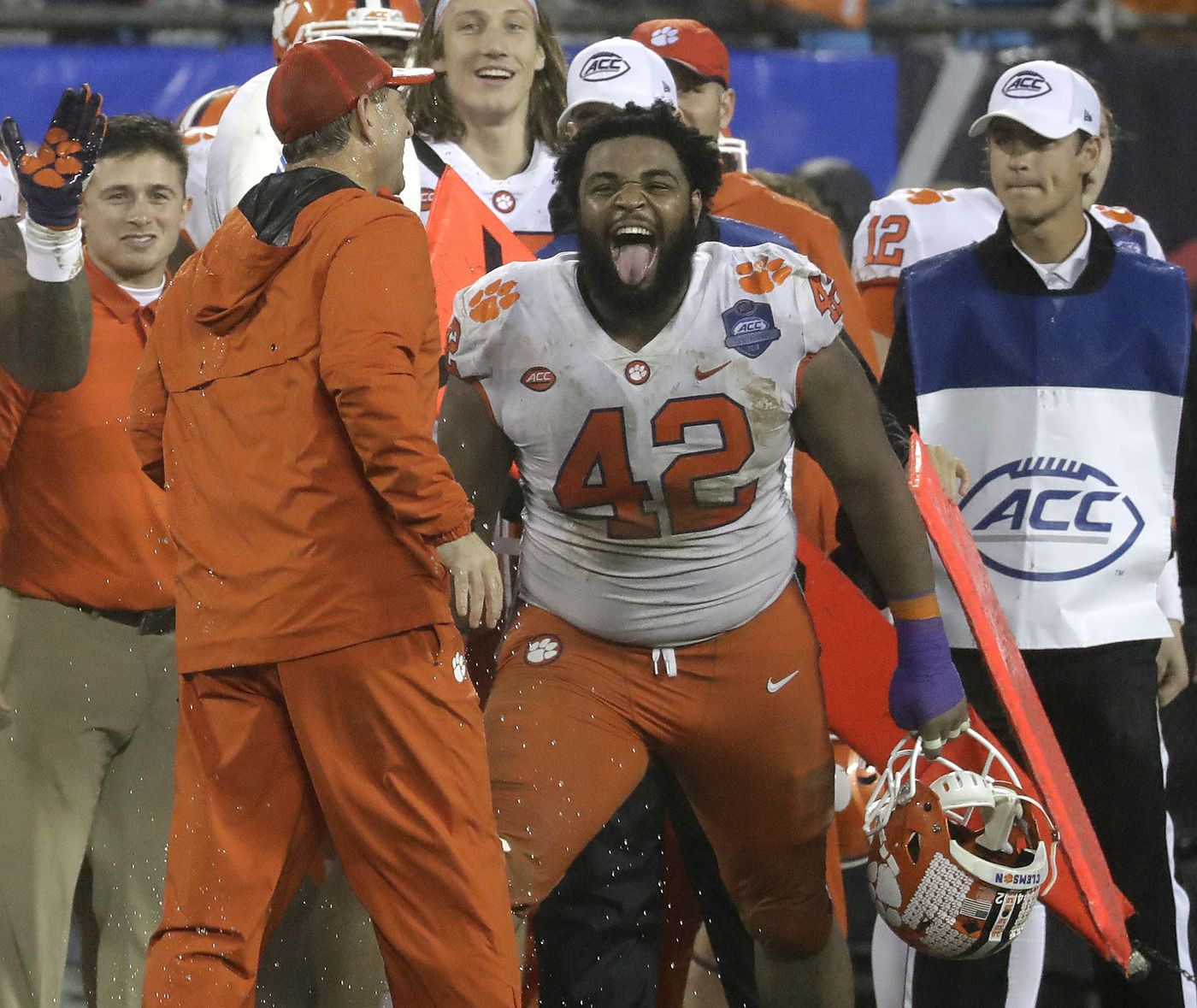 Clemson in 4th playoff draws Notre Dame in Cotton Bowl