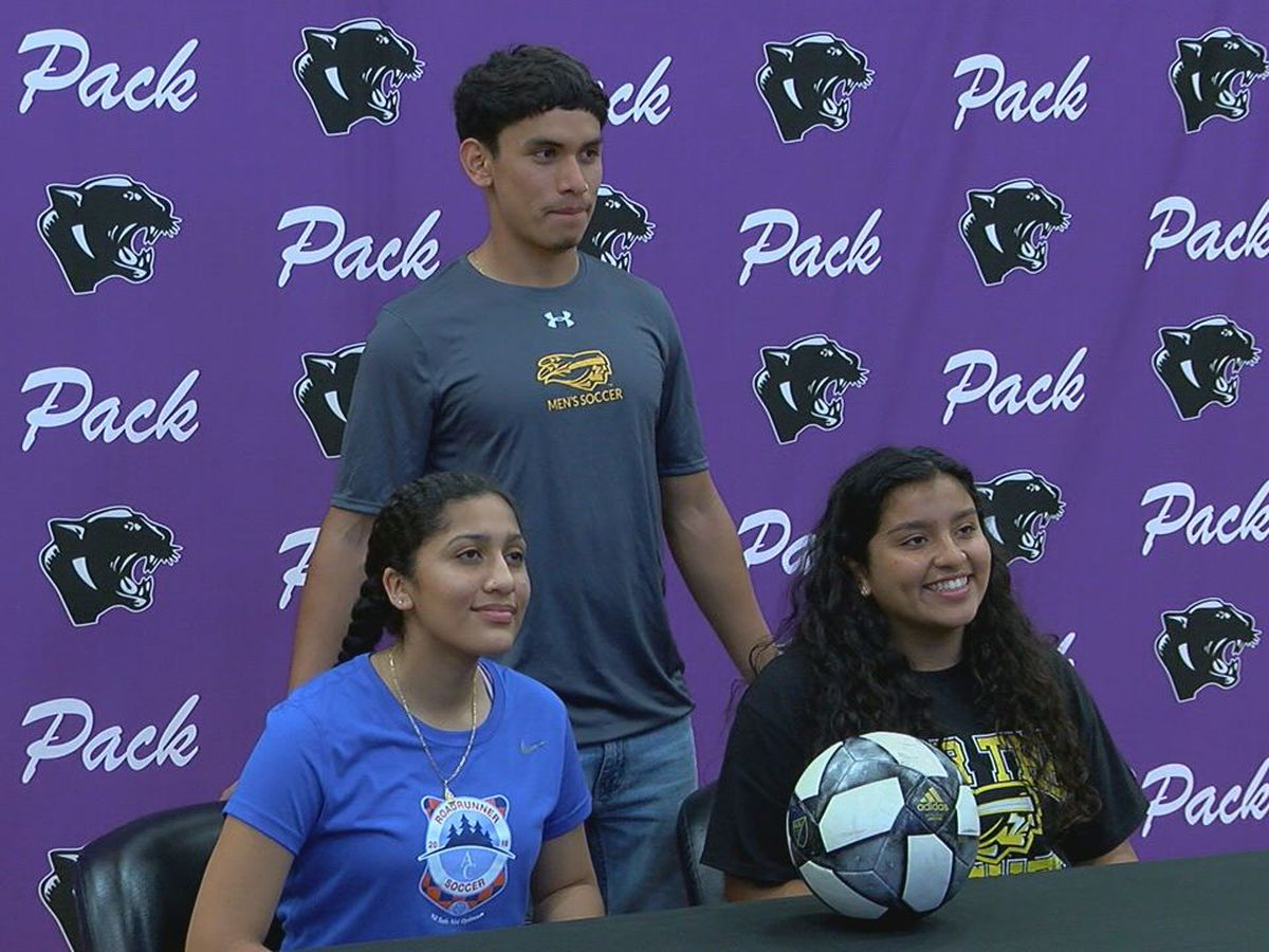Lufkin soccer athletes sign with college programs