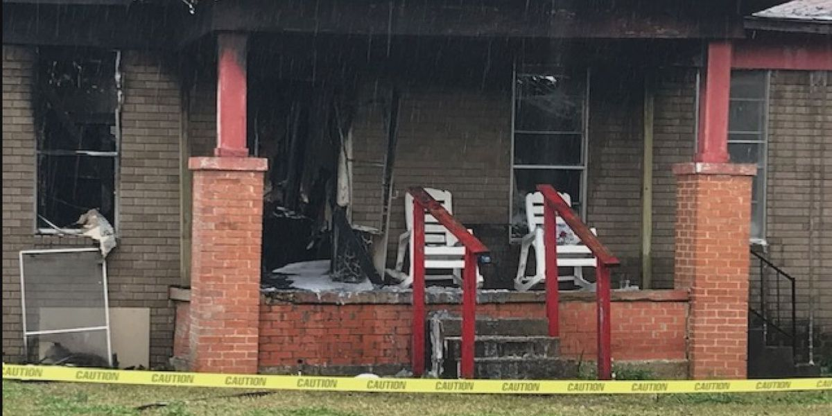 Woman describes early morning fire that destroyed home in Troup