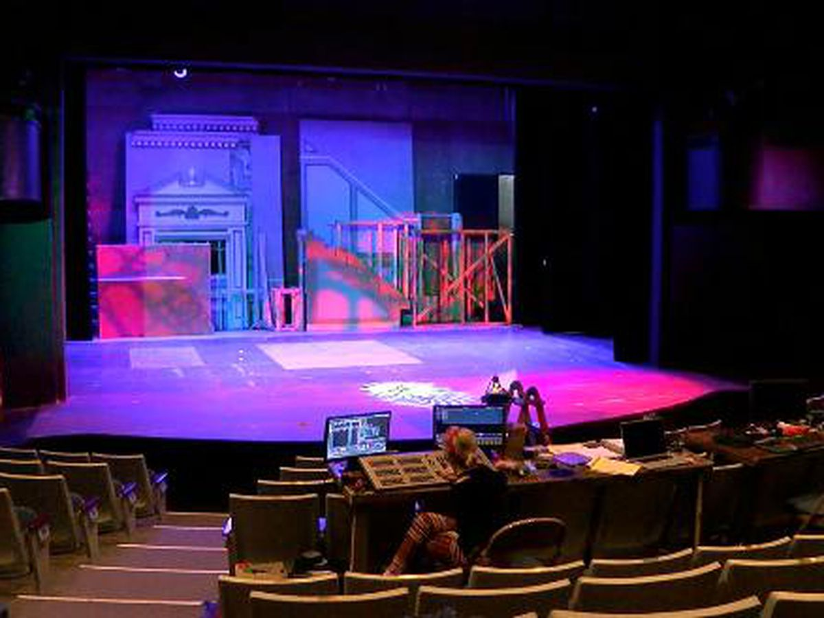 Lighting designer sets mood for Texas Shakespeare Festival