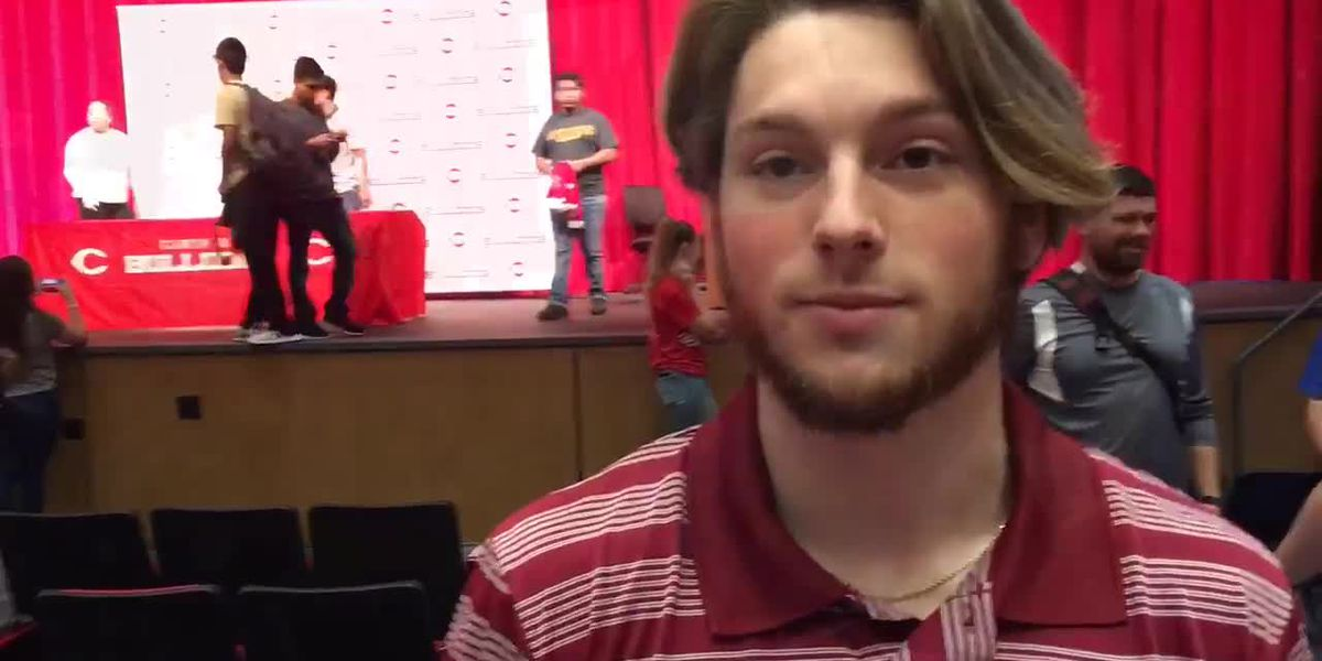 WEBXTRA: Signing Day at Carthage High School