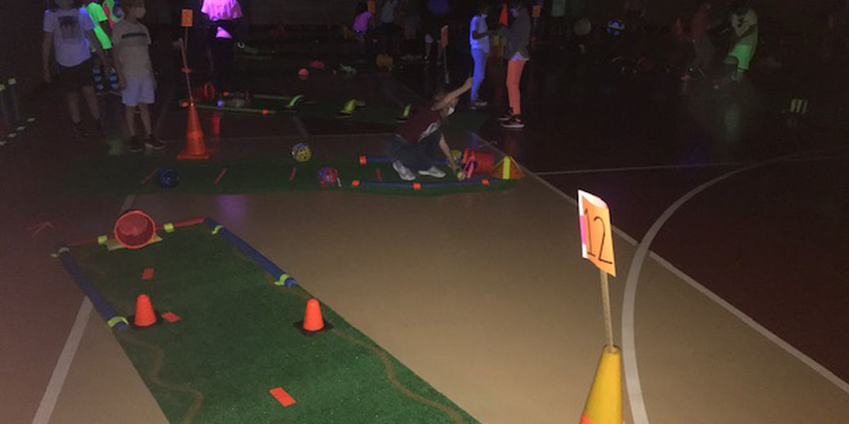 Tyler elementary school transforms gym into lunar putt-putt golf course for PE class