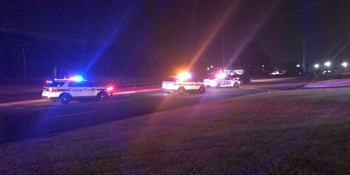 Tyler police: Pedestrian struck by vehicle, hospitalized