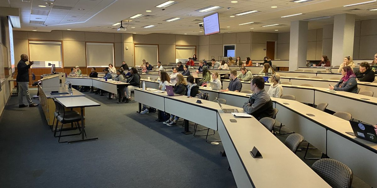 UT Tyler students learn from impeachment process