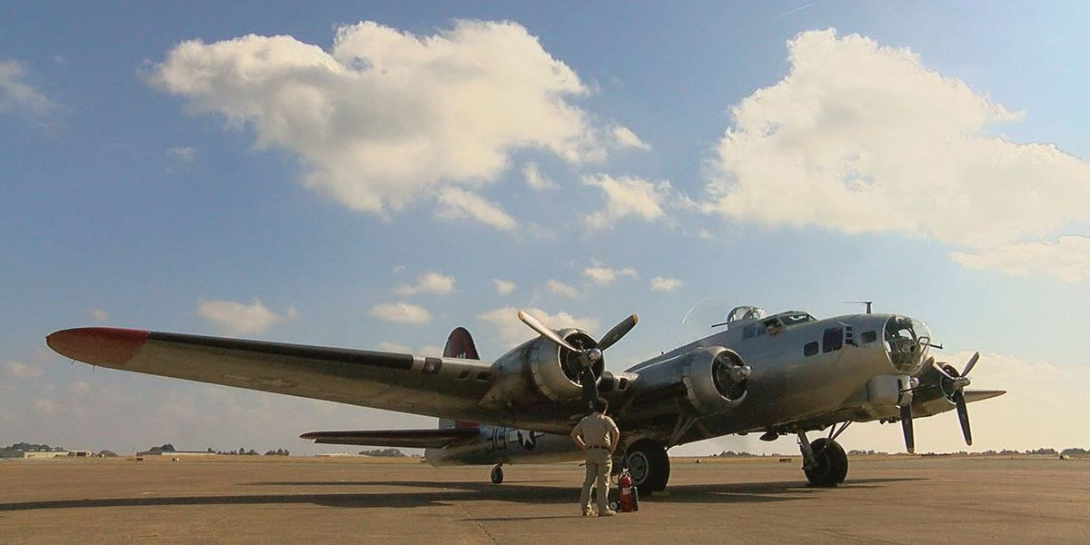 WWII-era bomber makes stop in East Texas