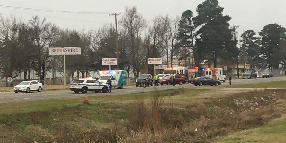 Crews responding to crash on Old Jacksonville near Loop 323 in Tyler