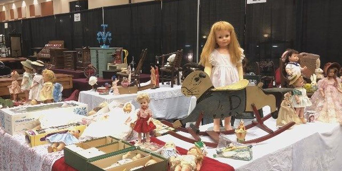 Zonta Antiques Show and Sale - Dolls clip