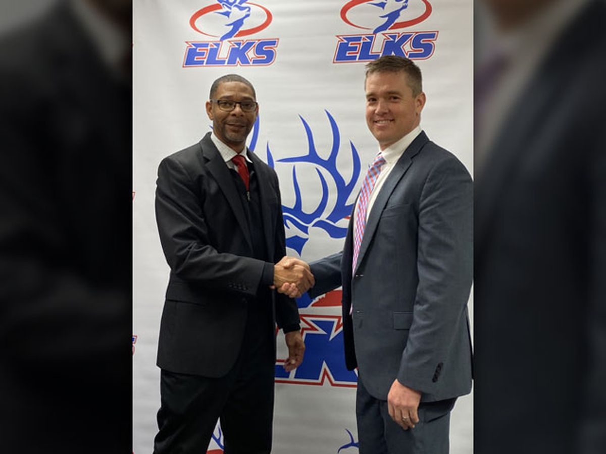 Elkhart ISD welcomes new head football coach