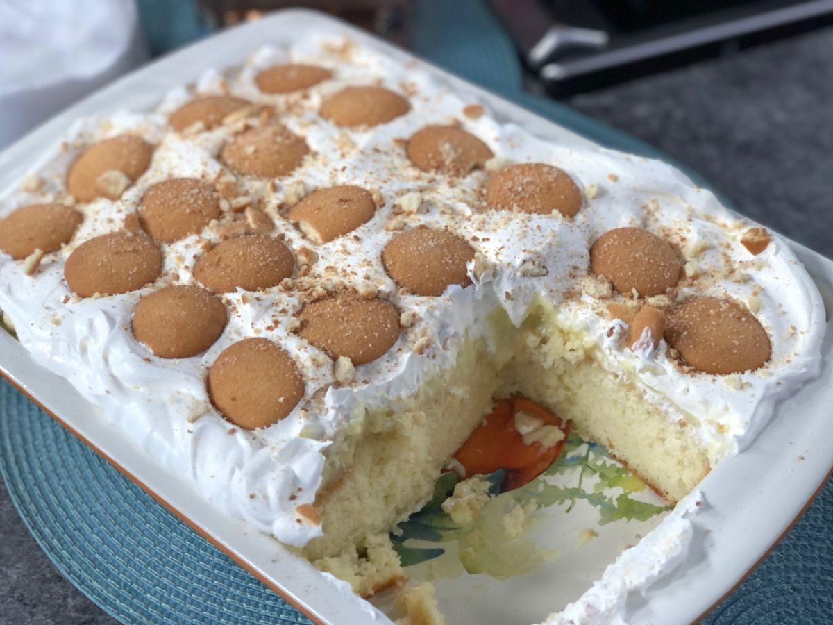 Banana pudding poke cake by Mama Steph