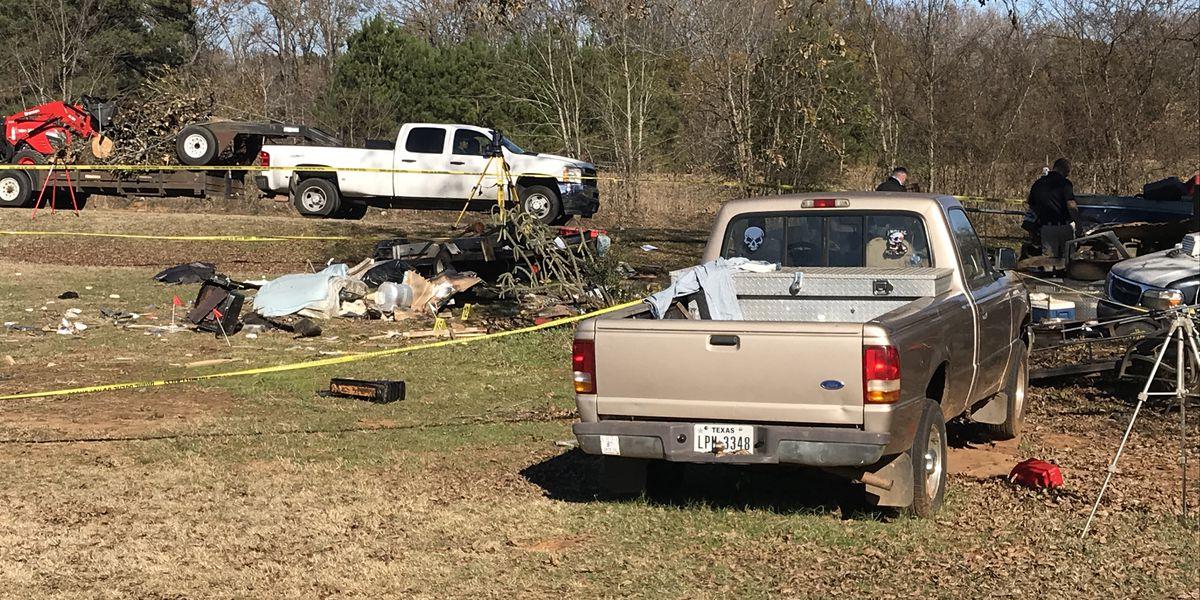 Smith County authorities: Murder suspect rammed trailer with ex-girlfriend, man inside