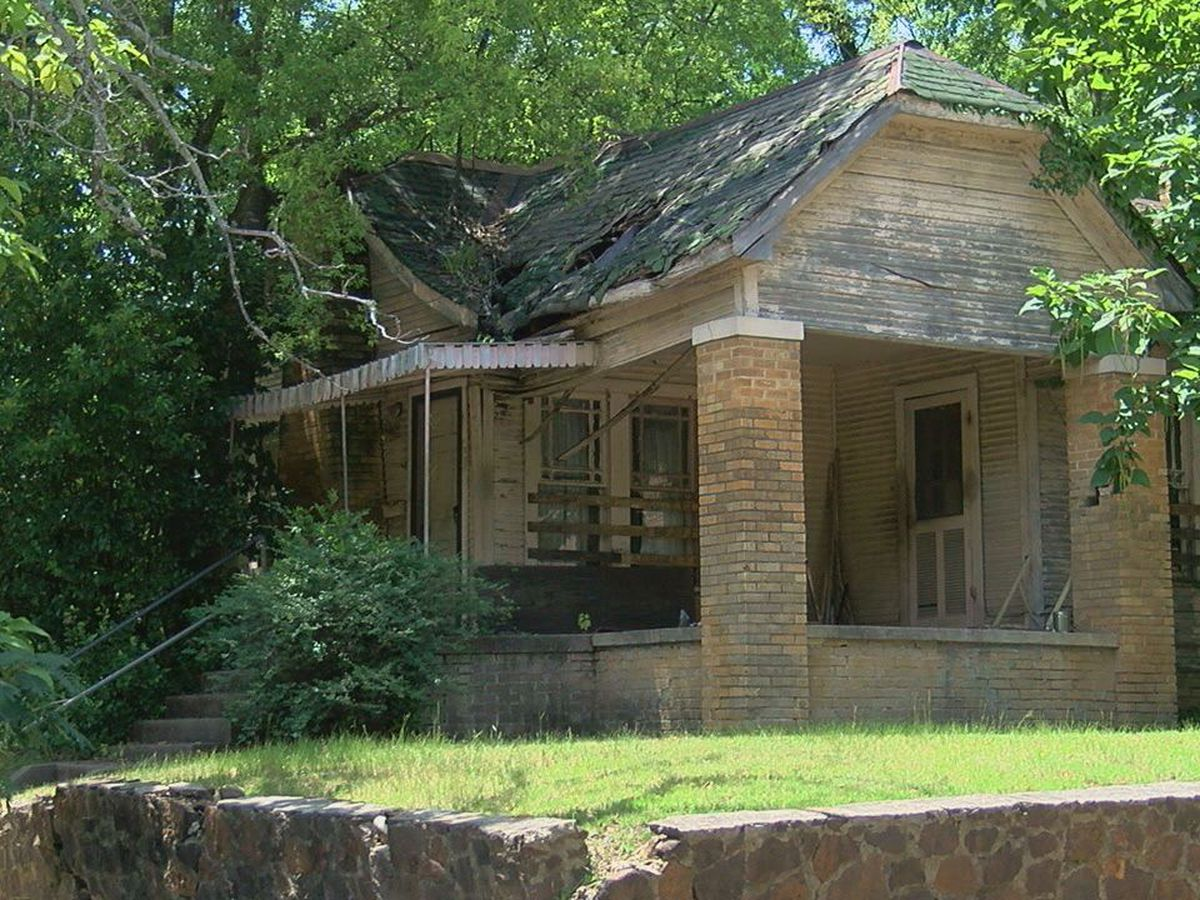 City of Tyler considers bid to demolish 11 houses