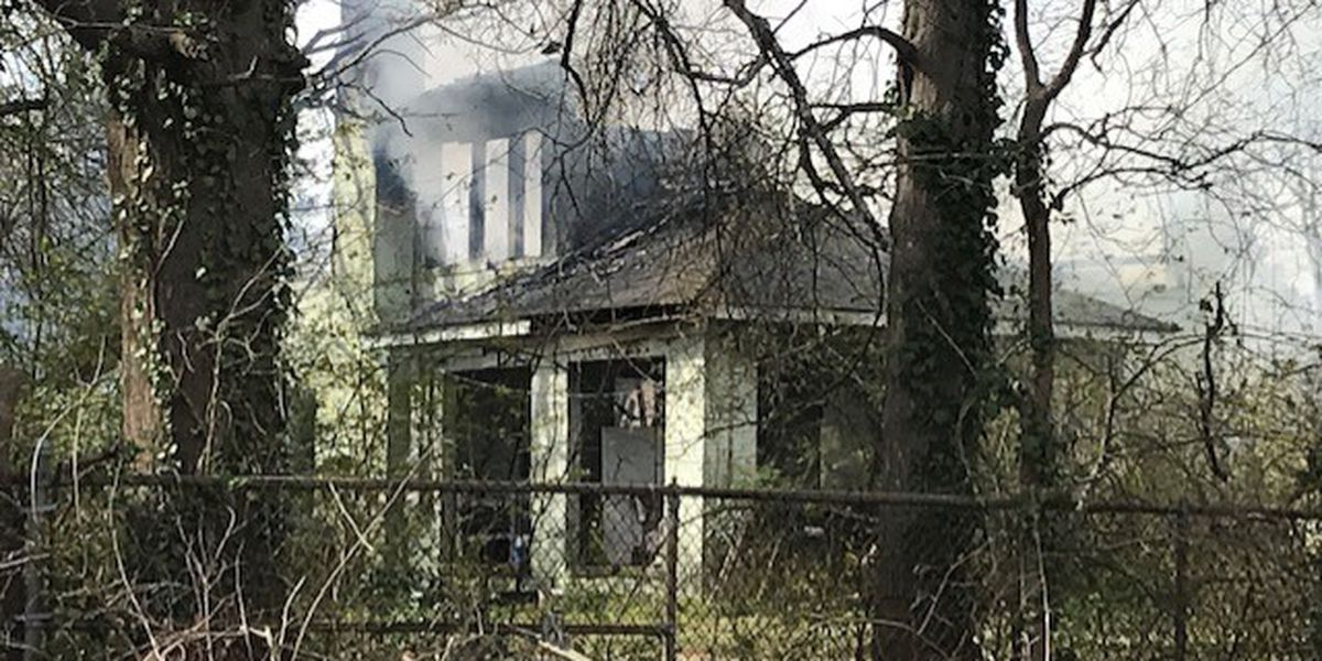 Woman taken to hospital with burns following house fire in Kilgore
