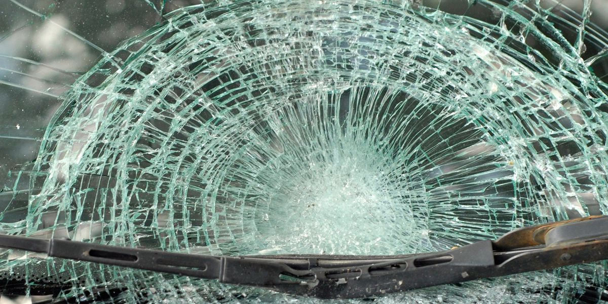 Wreck shuts down southbound lanes of Hwy 31 north of I-20 in Gregg Co.