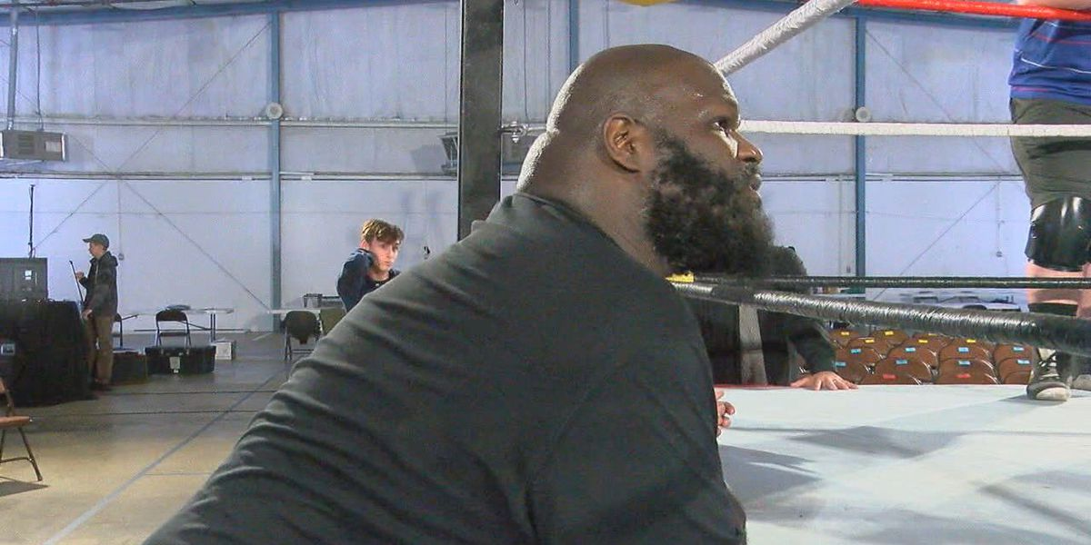 Former WWE superstar Mark Henry passing on his knowledge to next generation of wrestlers