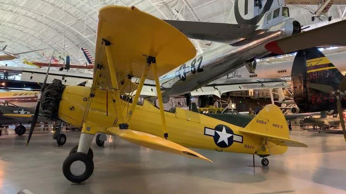 WEBXTRA: Air and Space Museum
