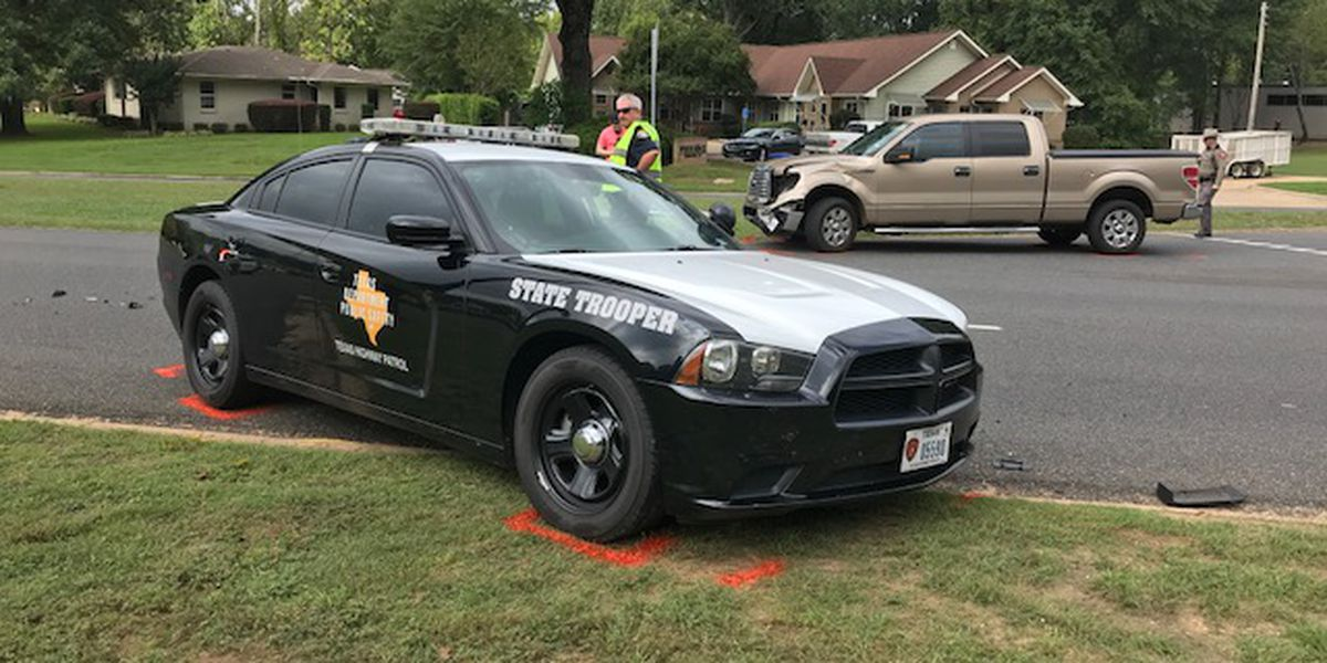 No injuries reported in wreck involving DPS trooper in Longview