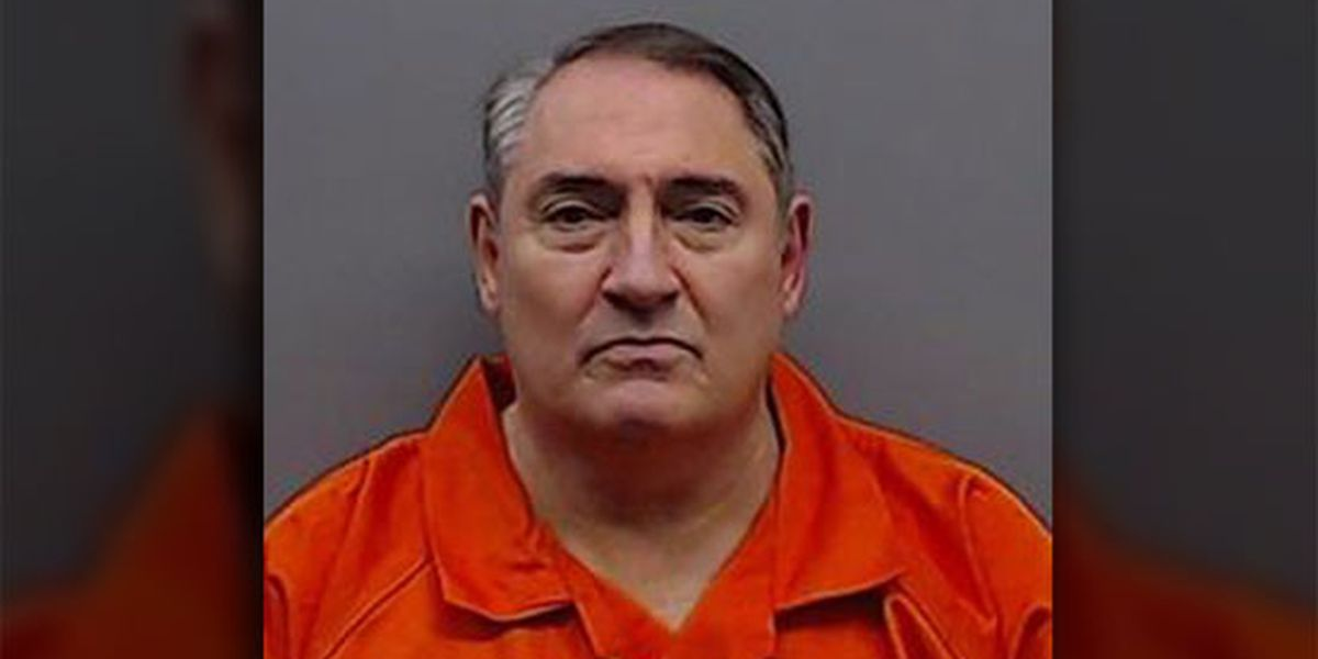 Sheriff: Smith County jailer smuggled contraband for inmates inside sandwiches
