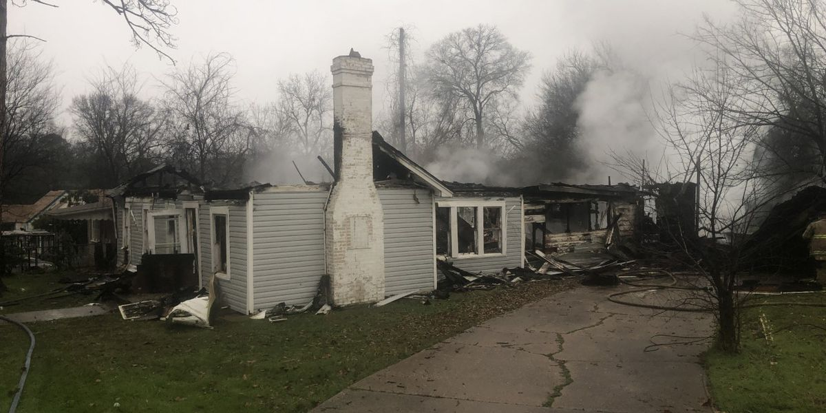 House deemed total loss after early-morning fire in Longview